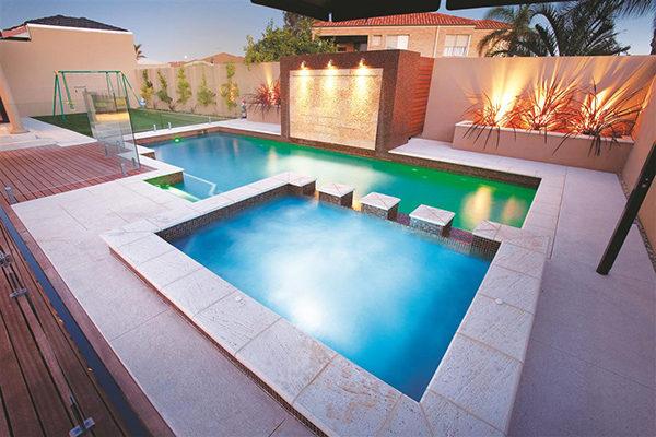 Thiết kế bể bơi sang trọng tại Imperia Sky Garden
